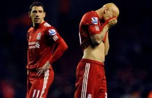 Liverpool, 8º en liga, campeón de la copa de la liga